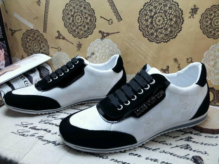 Un rétro pour le louis vuitton chaussures homme 2011 Rose - art ... 3fa706584e7